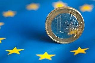 EUR/USD keeps retreating as the USD recovers