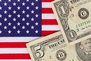 Political Situation In The US Keeps Dollar Under Pressure