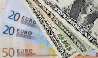 EUR/USD settles around 1.1155 after falling to its lowest since June 2017