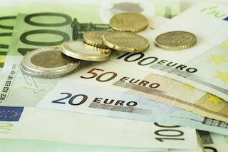 EUR/USD bounces from fresh 2019 lows amid better market mood