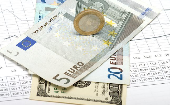Eur Usd Recedes From Tops Near 1 1420 On Us Gdp