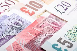 GBP/USD: Bulls and bears jostle near 1.3200 on Brexit developments