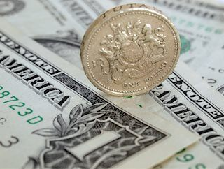 GBP/USD trades near 1.3200 as markets shrug off hard-Brexit concerns