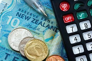 NZD/USD jumps to 7-week highs as 10-yr treasury yield hits one-year low