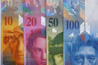 USD/CHF Segarkan Kembali Puncak 2-Bulan Dan Mundur