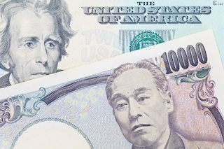 USD/JPY oscillates in a range above mid-111.00s, key US GDP report awaited